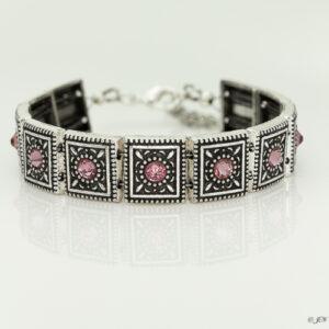 Armband romantic square swarovski oud roze. Armband met metalen vierkante kastjes met swarovski steentjes in de kleur antique pink, een oud roze kleur.